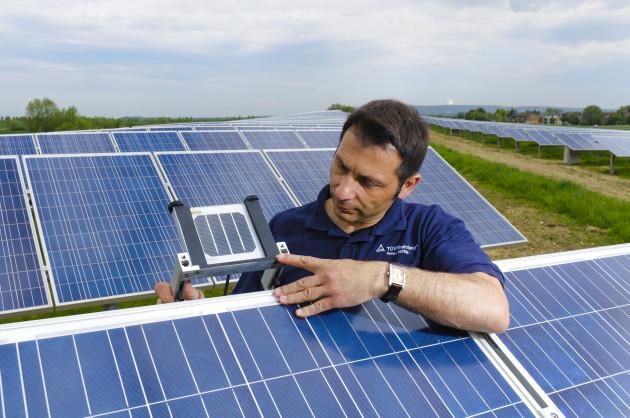 Солнечная-энергетика-вытесняет-атомную-630x418